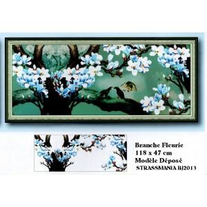 Branche fleurie Bleue Strass sur toile décorée 118 x 47 cm